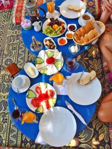 Breakfast in the köşk